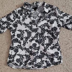 Worthington black/white floral top, L